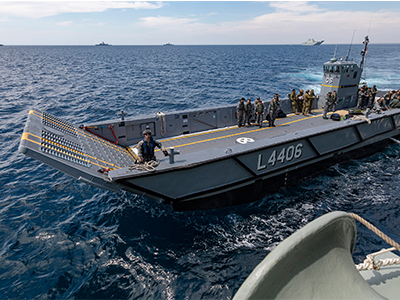 A RAN LHD Landing Craft (Image: Defence)