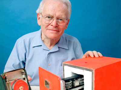 Dr David Warren with the Black Box flight data recorder