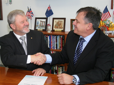 Chief Defence Scientist Dr Alex Zelinsky (right) with Lockheed Martin Australia Chief Executive Raydon Gates.