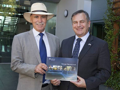 Minister for Defence Science and Personnel, Warren Snowdon and CDS Alex Zelinsky holding a copy of the DSTO Strategic Plan 2013-18
