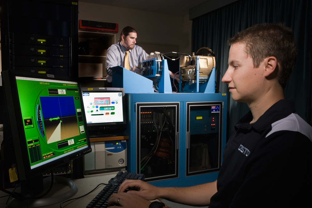 Conducting Mk48 heavyweight torpedo runs against a submarine target using hardware in the loop simulation environment in DSTO's Torpedo Analysis Facility.