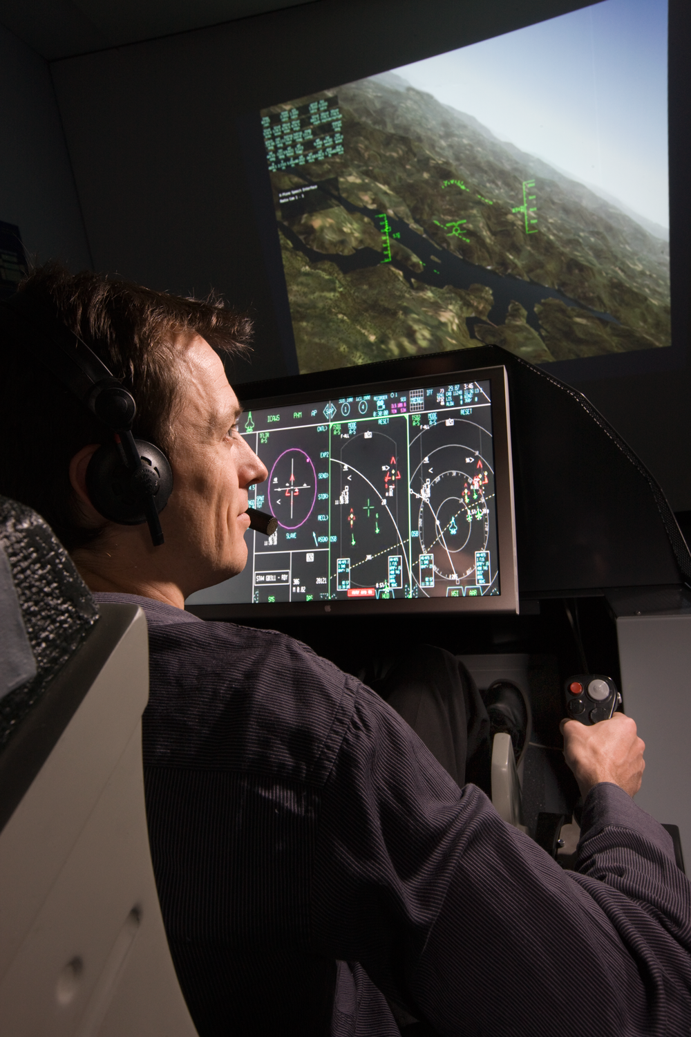 A mock up of the Joint Strike Fighter mission system and cockpit assists DSTO in providing advice and guidance to the ADF on issues such as software and systems architecture throughout the aircraft life and its interoperability between aircraft and across other systems within Australia and with coalition forces.