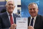 L3 Technologies Managing Director Alan Titheridge and Chief Defence Scientist, Alex Zelinsky with the newly signed strategic alliance