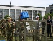 Army members demonstrate lifting tasks.