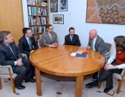 DSTO scientists meet with Minister Warren Snowdon.