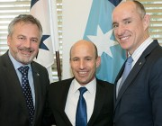 L-R: Chief Defence Scientist Dr Alex Zelinsky, Israeli Real Admiral Ophir Shoham and Assistant Minister for Defence Stuart Robert